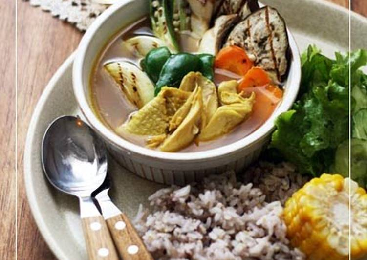 Curry Soup with Shredded Chicken