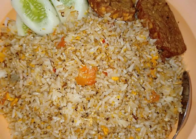 Resep Nasi goreng terasi pedas oleh Ririn Ika Martini - Cookpad
