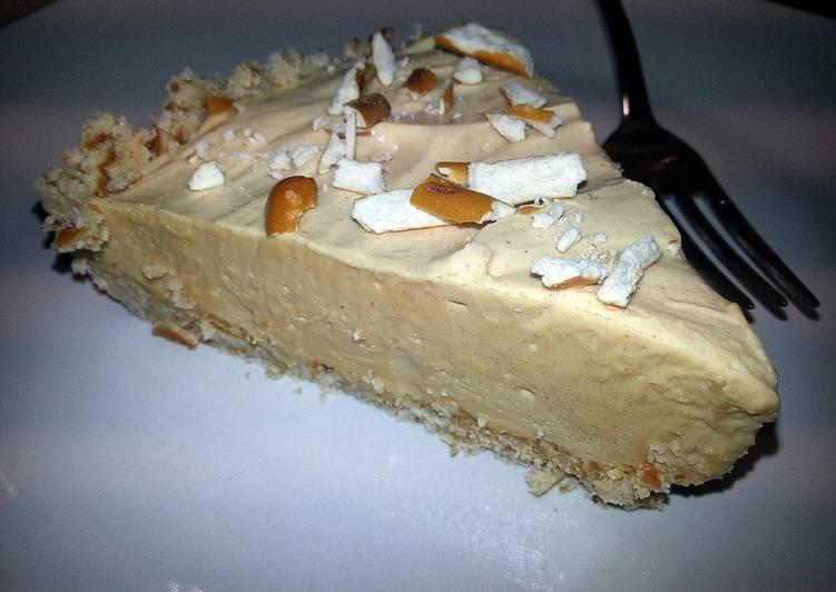 15 Minute Easiest Way to Make Summer Peanut Butter Pretzel Pie