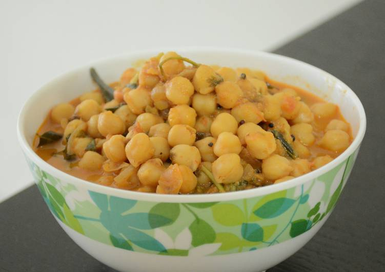 Easiest Way to Make Any-night-of-the-week Chickpeas Curry