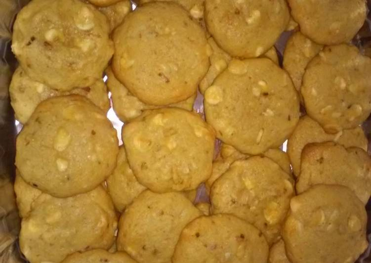 Recipe of Quick *White Chocolate Macadamia Cookies With Coconut*