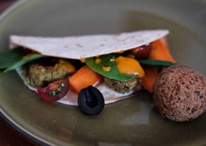 Veganer Falafel-Wrap