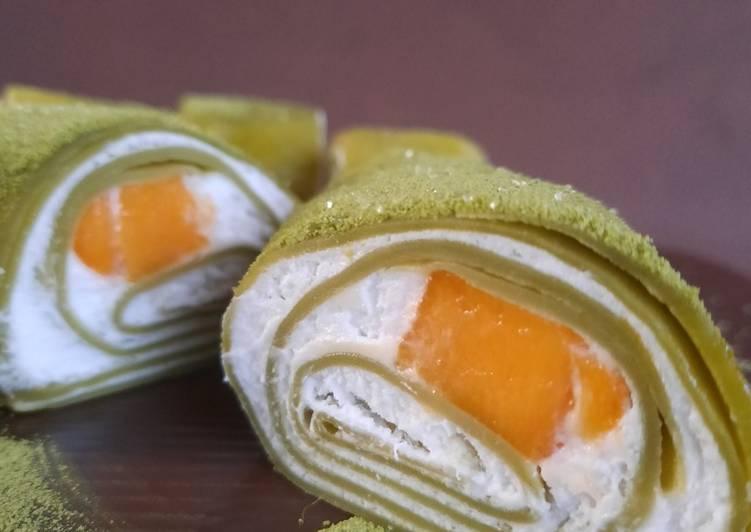 Matcha roll crepe