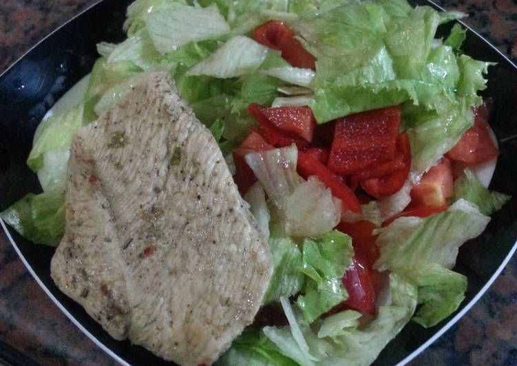 Easy Recipe: Delicious HCG diet meal 2: chicken breast and salad