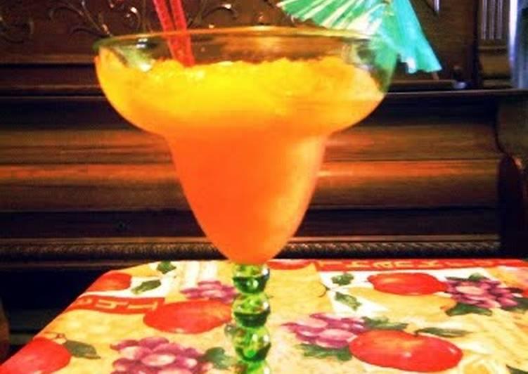 Sunshinne orange and mango smoothie