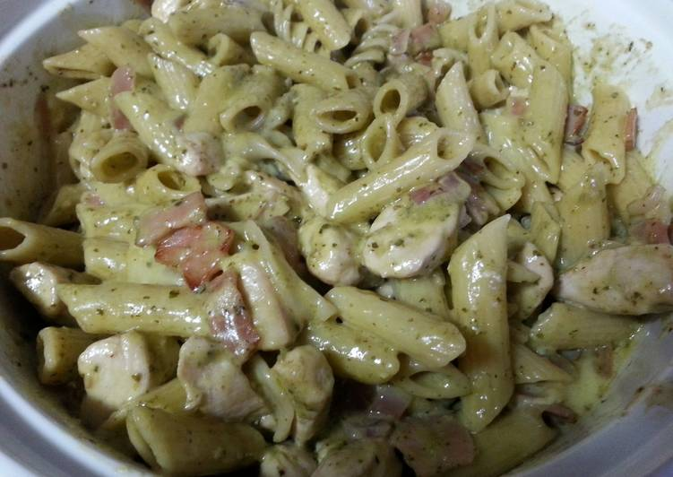 Creamy pesto pasta with camembert bacon and chicken – Serious Eat Cookbooks
