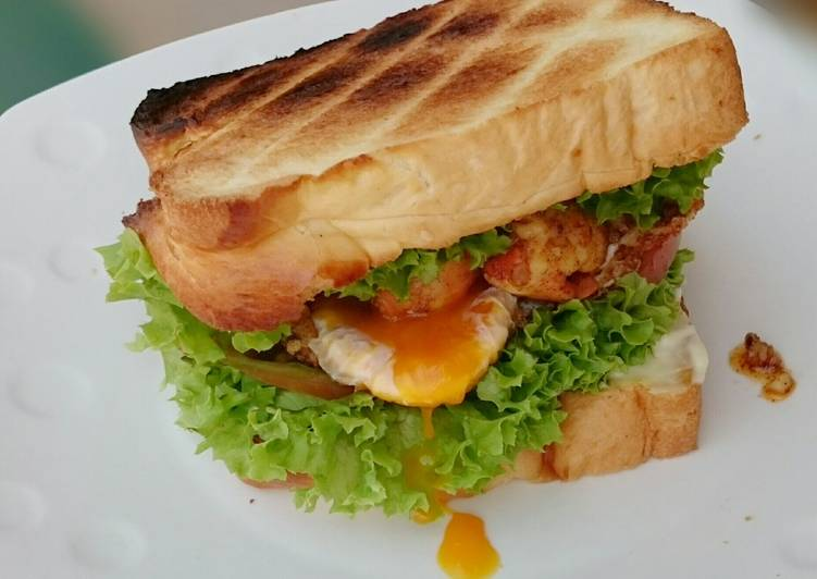 Spicy Garlic Buttered Shrimp And Egg Sandwich