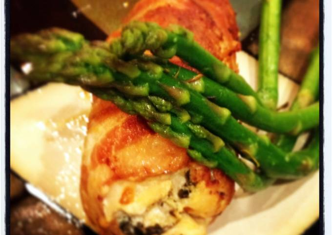 bacon wrapped chicken breast stuffed with cheese
