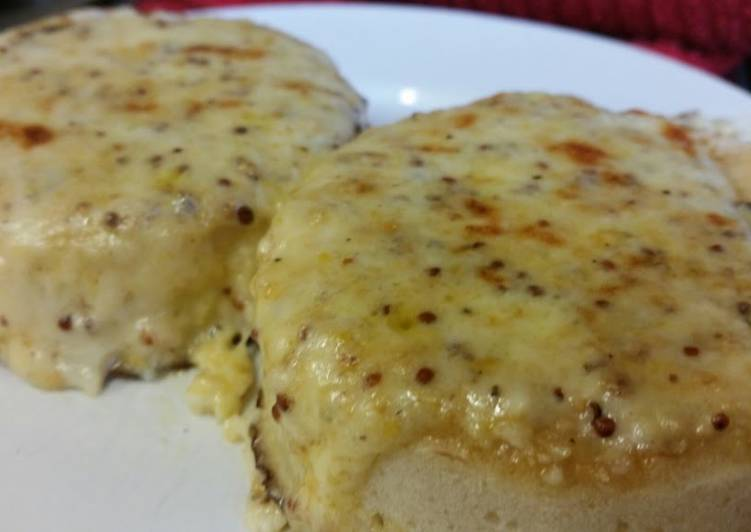 How to Prepare Perfect Welsh Rarebit Crumpets