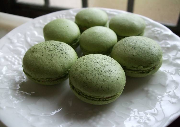 Matcha Green Tea Macarons – The Kitchn Cookbooks