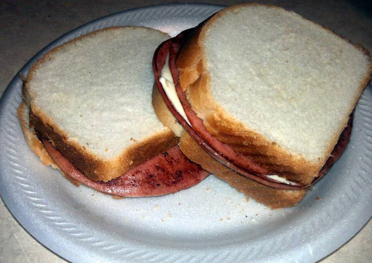 Easiest Way to Make Perfect fried bologna and cheese sandwich