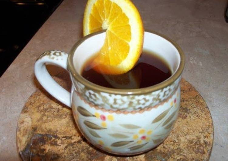 Slow cooker hot spiced apple cider