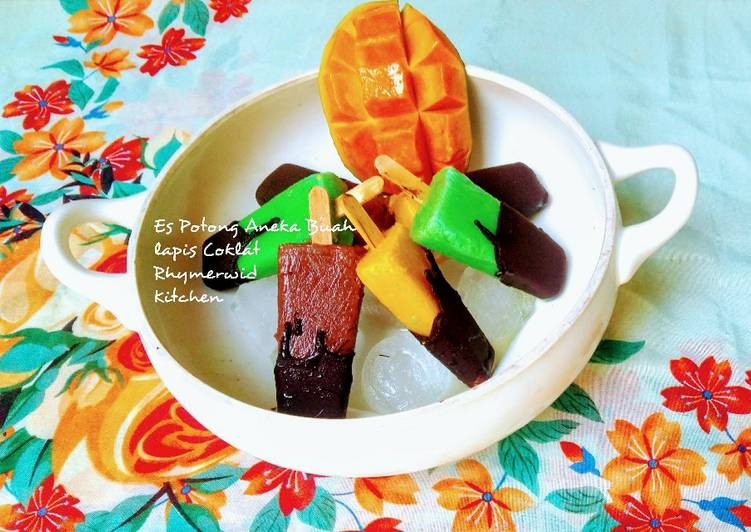 Es Potong Aneka Buah Lapis Coklat