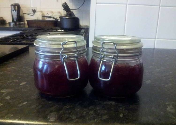 Steps to Prepare Super Quick Homemade Raspberry and Apple Jam