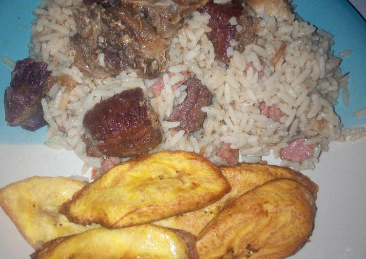 Steps to Prepare Quick Coconut rice,assorted beef and chicken with plantain