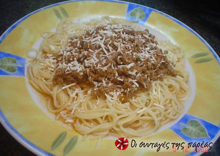 Spaghetti with ground meat
