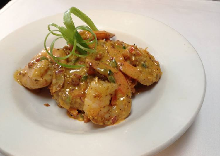 Recipe of Quick shrimp and grits with chorizo cream sauce