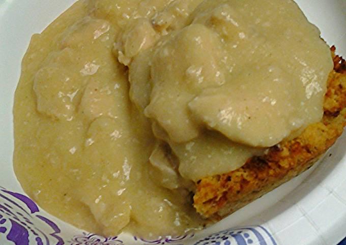 Cornbread dressing with chicken gravy