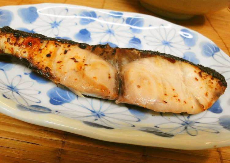 Recipe of Most Popular For Osechi (Japanese New Year's Food) Grilled Yellowtail with Shio-Koji