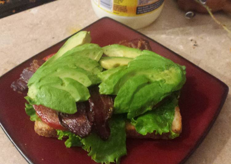 Open Face BLT with Caramelized Bacon n Guac