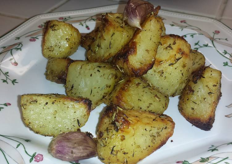 Crispy Lemon Herb Roasted Potatoes