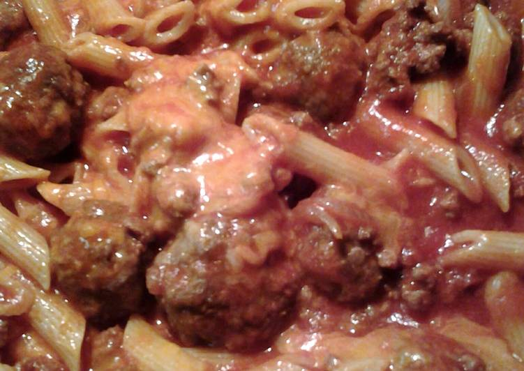 cheesy penne with mozzarella meatballs