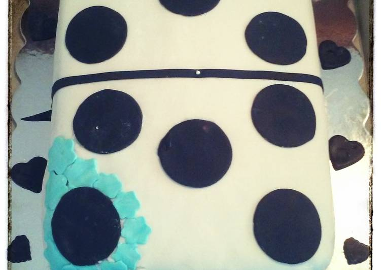 Domino cake with quava n pineapple filling