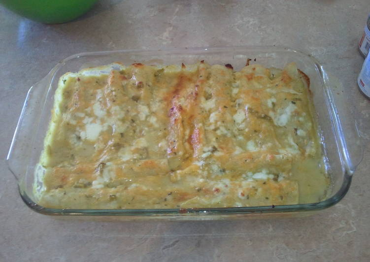 Simple Way to Prepare Favorite Creamy green chili enchiladas