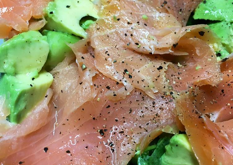 Recipe: Perfect Keto Friendly Green salad with Smoked Salmon
