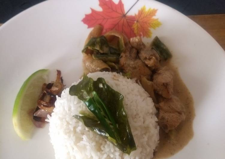 Steps to Make Homemade Thai Style Coconut Chicken flavoured with Kafir Lime and aromatic rice