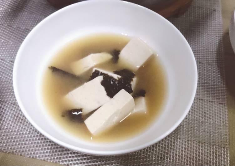 Recipe of Award-winning Miso Soup with Dried Seaweeds