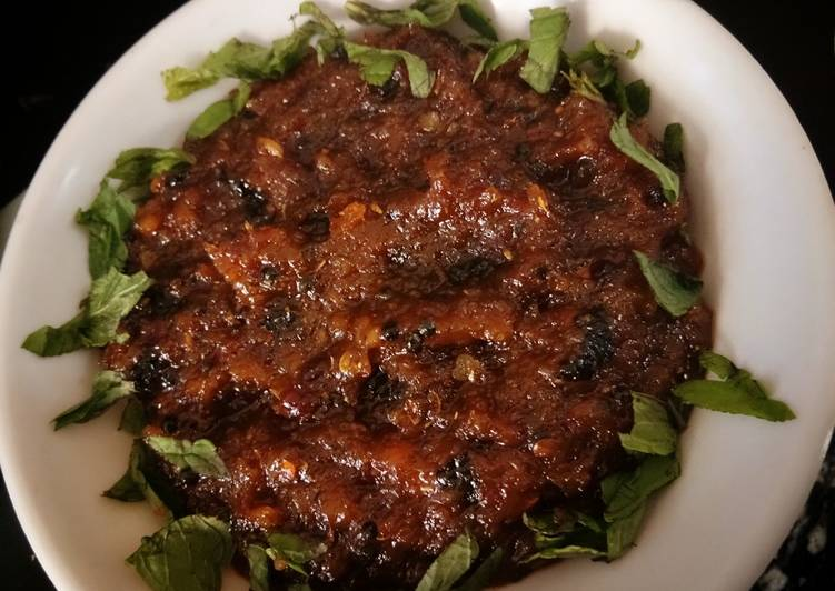 Onion and red chilli chutney