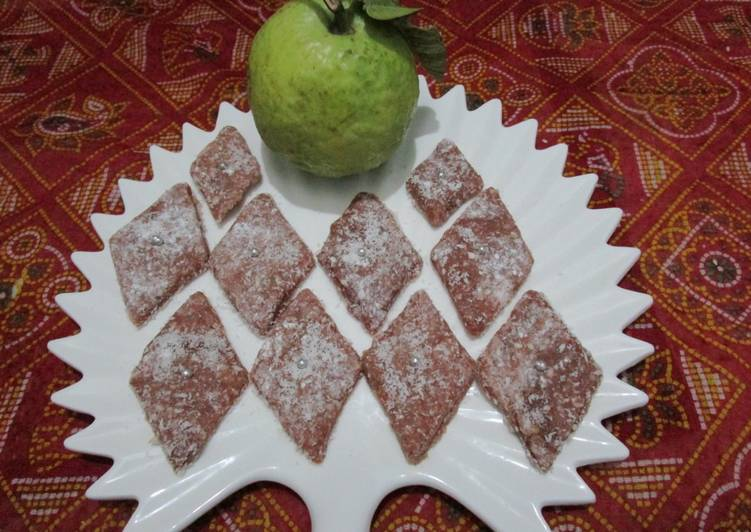 5 Minute Easiest Way to Make Autumn Amrood ki katli #winter fruits
