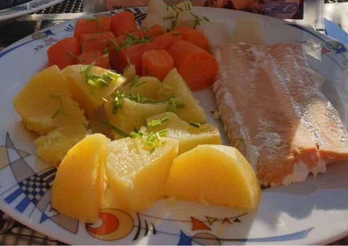 Lachs mit Kartoffeln und Gemüse (Dampfgegart)