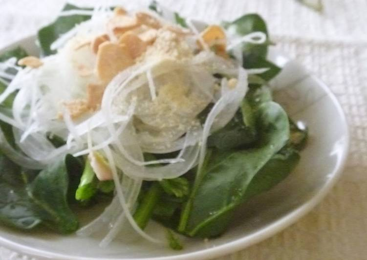 Recipe: Appetizing Spinach and Onion Popeye Salad