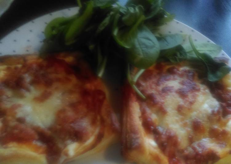 Mandys puff pastry with bolognese sauce