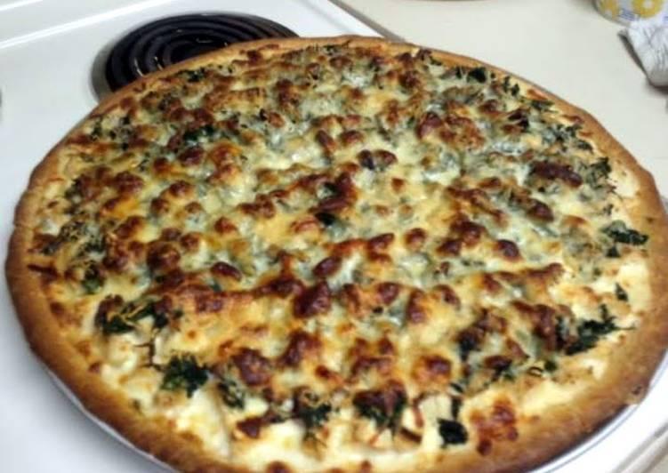Alfredo chicken spinach pizza
