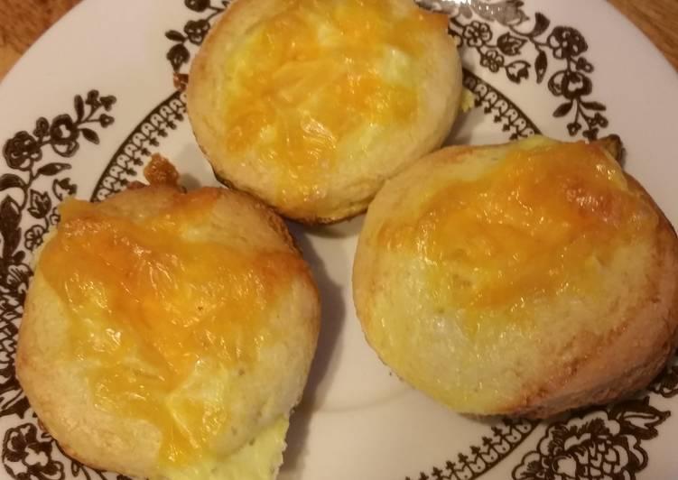 Bite sized cornbread quiches