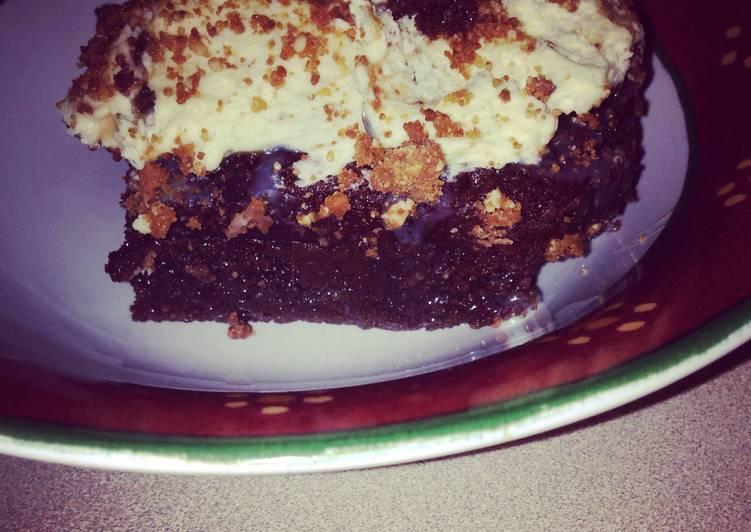 Chocolate Fudge Candy Bar Cake