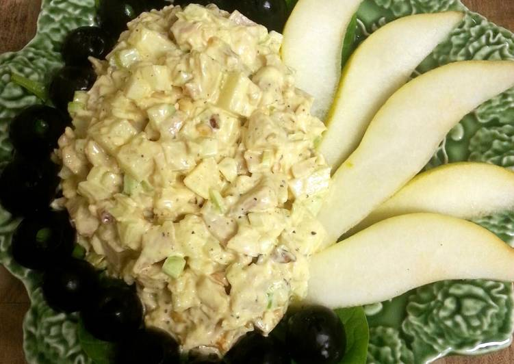10 Minute How to Prepare Homemade Chicken and Pear Pecan Salad