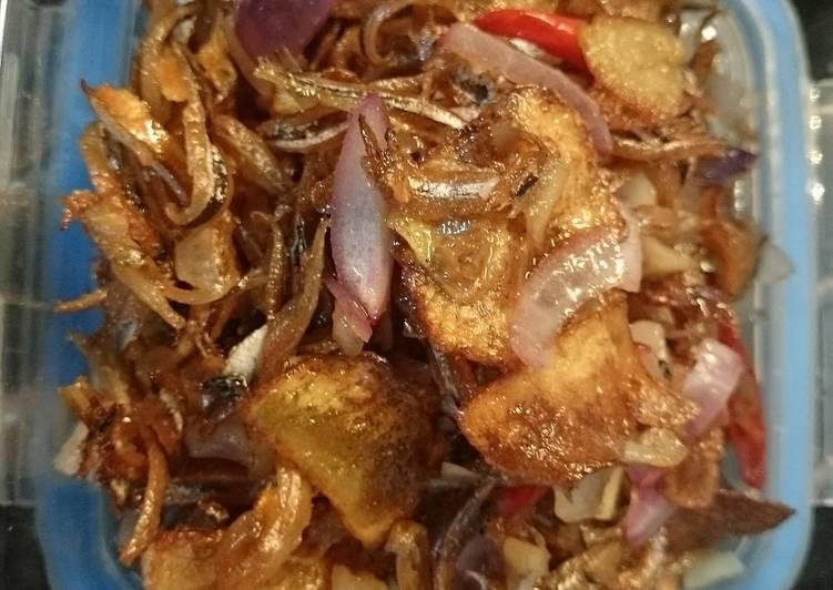 Recipe of Homemade Crispy anchovies and potato