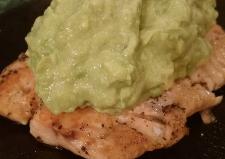 Grilled Salmon with Creamy Avocado Sauce