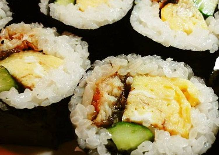Futomaki Sushi with Broiled Eel