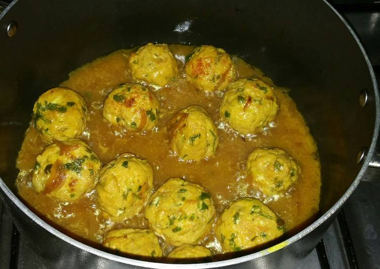 Chicken Meat Balls With Spicy Curry..