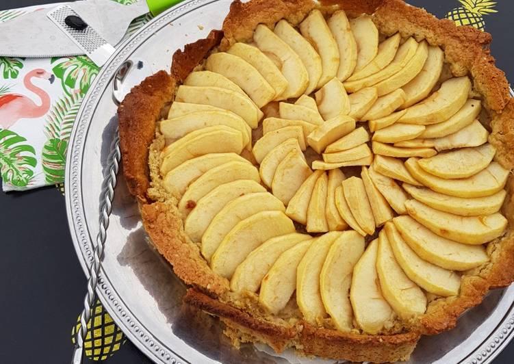 recette Tarte aux pommes parfumée à la fève tonka en coque de céréales et graines le délicieux