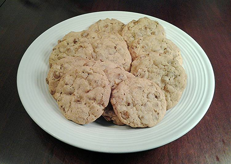 Cinnamon Chip Spice Chip Cookies