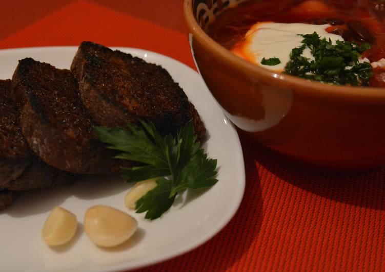 Rye bread toasts to Ukrainian Borshch