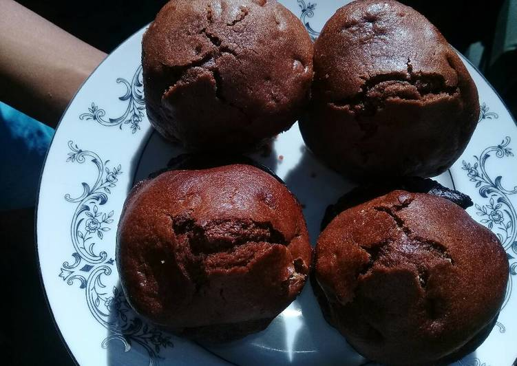 Step-by-Step Guide to Make Quick Chocolate and raisins muffins