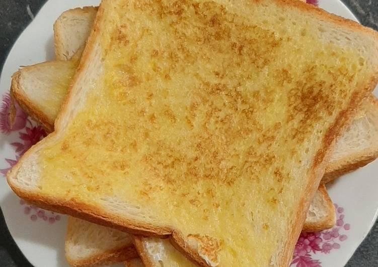 Roti panggang telur