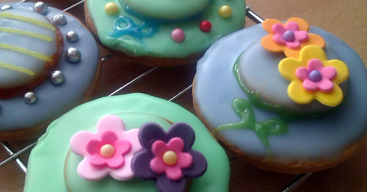 Vickys Easter Bonnet Cookie Decorating Idea